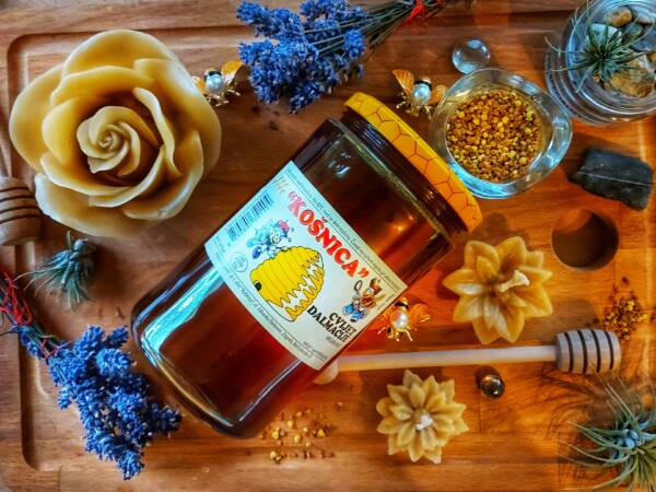 Med cvijet dalmacije-bogat okus mediteranskog bilja kadulje, lavande, ružmarina i ostalih